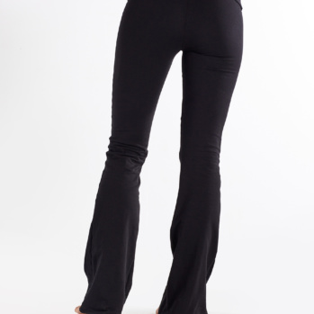 88 Boot cut in solid black