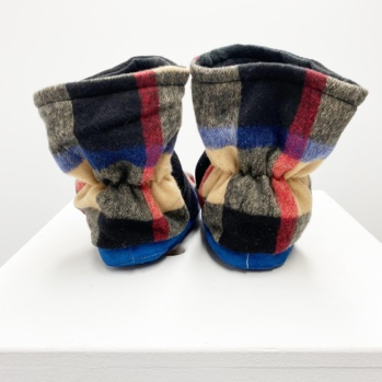 Burry Blue black slippers