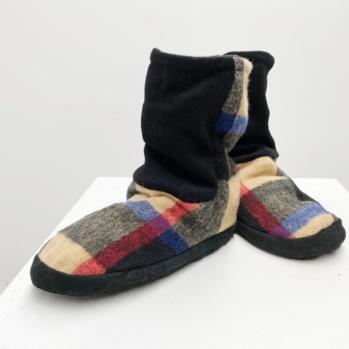 Burry wool slippers