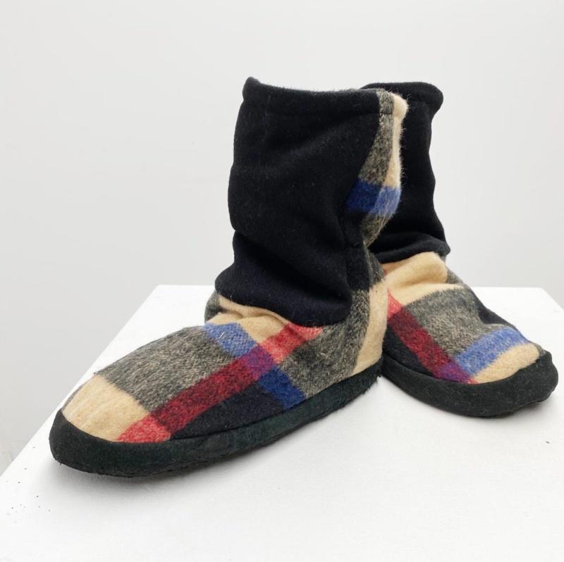 Burry wool slippers