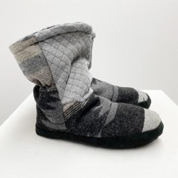 Taho Navaho slippers